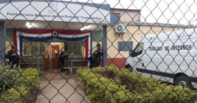 Trasladan a 9 presuntos reos del PCC desde San Pedro