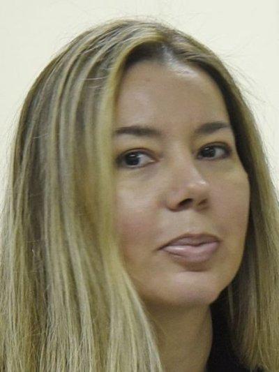Esposa de Amarilla quiere volver a la CGR