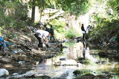 Exitosa jornada de limpieza del Arroyo Damián de Limpio