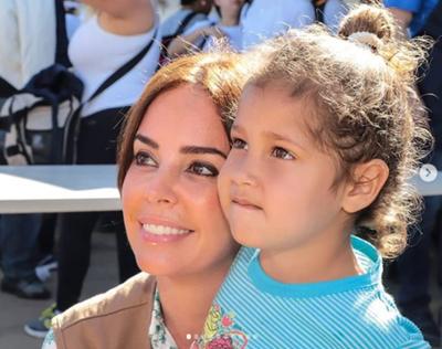 Unos 2000 niños del barrio Tablada de Asunción recibieron ayuda de la primera dama