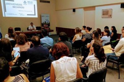 Especialistas colombianos brindarán asesoría para gestionar becas