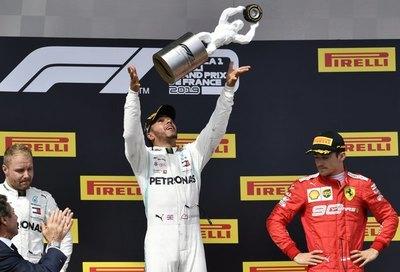 Hamilton gana GP de Francia en nuevo doblete de Mercedes