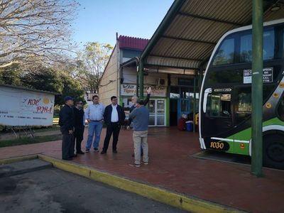 Solo buses de mediano porte circularán en paso fronterizo Ayolas-Ituzaingó