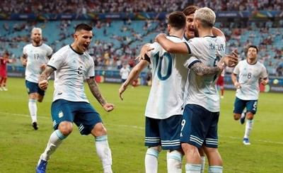 HOY / Argentina logra un triunfo balsámico contra Catar para pasar a cuartos