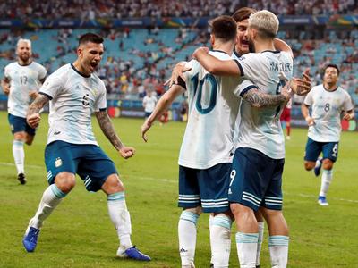 Argentina rubrica su clasificación tras vencer a Catar