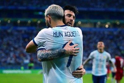 Argentina revivió y pegó el salto ante Catar