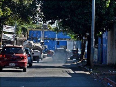 Urgen mayor control para combatir emisión de humo negro en Asunción