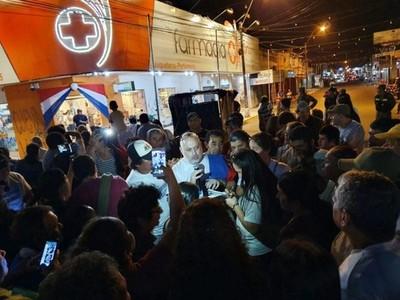 El apoyo de Payo se suma a los escraches en la capital del primer departamento