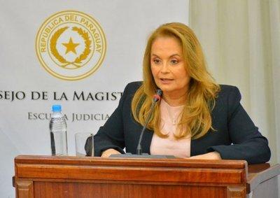 "Méndez, ""candidata de nadie"""