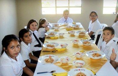 A más de mitad de año, niños de escuelas de CDE continúan a la espera del almuerzo