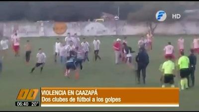 Batalla campal en partido de Liga Caazapeña