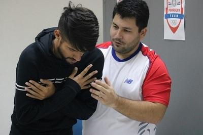 Maratonista sugiere dejar sin sueldo a jugadores de la Albirroja
