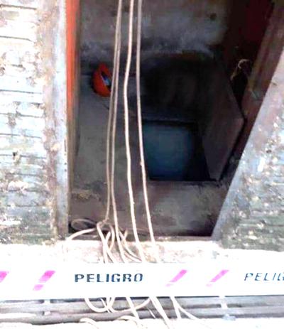 Dos trabajadores mueren asfixiados tras caer en silo