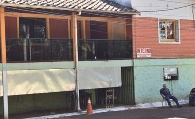 Tres hombres y una mujer detenidos por robar en inmobiliaria