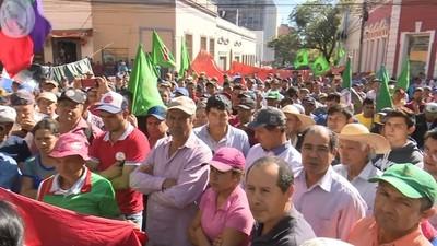 Labriegos esperan acuerdo con Ejecutivo tras recurrir al titular del Congreso