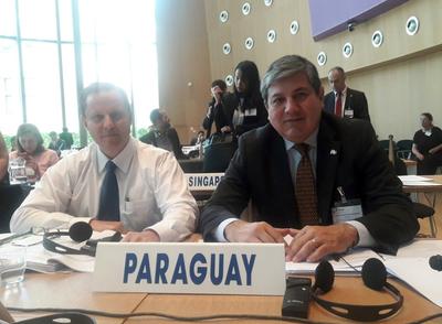 Ministro Martínez Simón en Conferencia de la Haya
