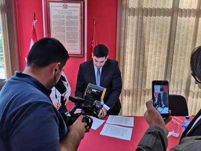 Presentan en Diputados lista de acusaciones contra Mario, previa a pedido de intervención