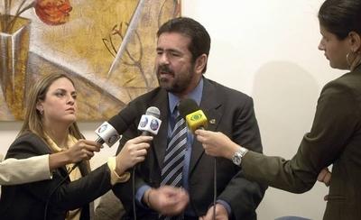 HOY / El periodista que mataba para  tener la primicia: paraguayo y su  documental atrapa a Netflix