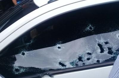 Hombre muere acribillado en estacionamiento de shopping
