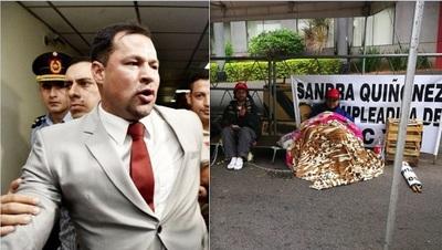 Encadenados exigen libertad de Ulises Quintana