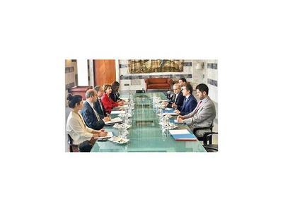 Castiglioni promueve áreas de inversión