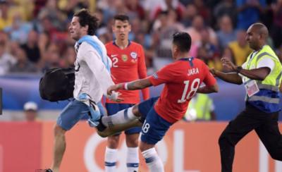 HOY / Posible sanción al chileno Jara ya no depende de los árbitros