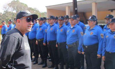 Agentes tuvieron que pagar por uniformes porque empresa no cumplió con lo requerido