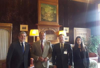 Martínez Simón se reunió con Secretario de la Corte de Arbitraje