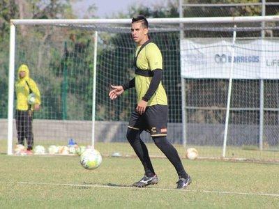 Cristian Báez firmó, y vendrían dos más