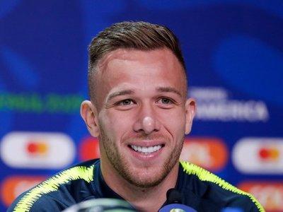 Arthur sueña con hacer un gol a Paraguay
