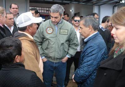 Ministro Ramírez Candia asistió a entrega de viviendas a Comunidad Indígena