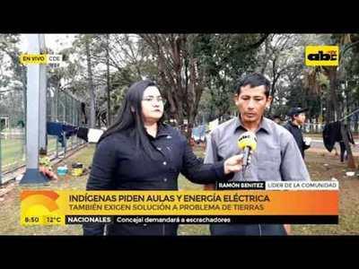 Indígenas piden aulas para escuelas y energía eléctrica
