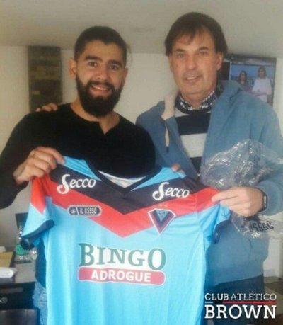 Rodrigo Burgos retornó al fútbol argentino