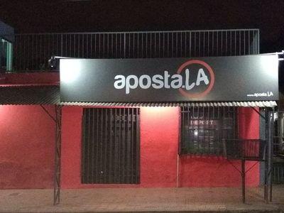 Roban G. 4 millones de un local de apuestas en San Lorenzo