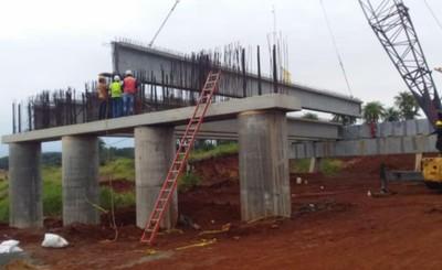 Puente que unirá a Hernandarias y Minga Guazú avanza el 54%