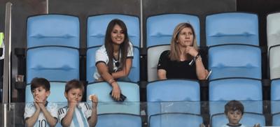 La Esposa de Messi celebra clasificación de la selección Argentina