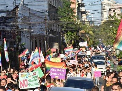 Comunidad LGBT marchó en Asunción por el Día del Orgullo Gay