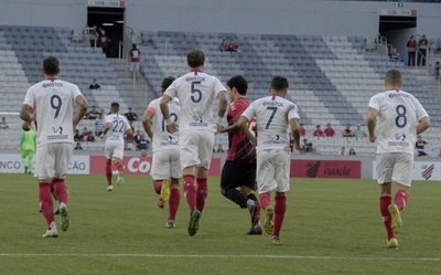 Cerro Porteño vence a Paranaense en amistoso