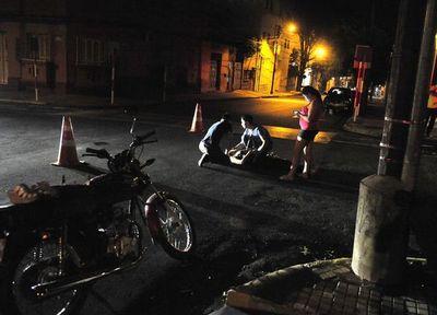 Motociclista sin casco muere tras choque en microcentro