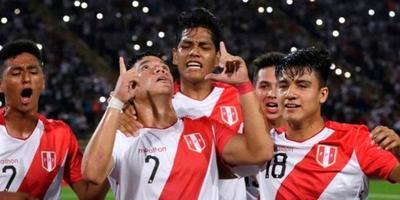 Perú gana y jugará semifinal contra Chile