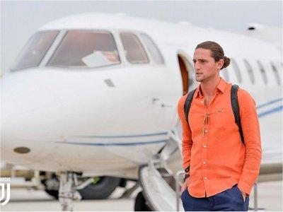 Rabiot llega a Turín para firmar con Juventus