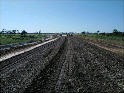 Celebran inicio de construcción de primer asfaltado en Alto Paraguay