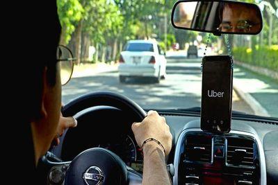 """Taxistas piden regular Uber y MUV por ser competencia """"desleal"""""""