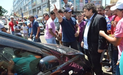 HOY / Kelembú protagoniza incidente e impide desalojo en mercado
