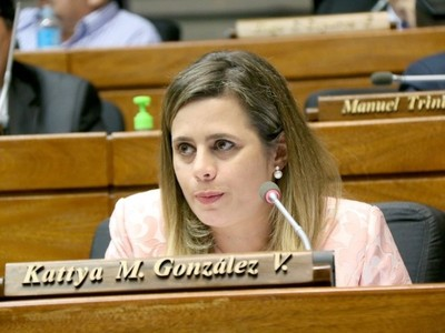 'Yo no temo nada, si me retiran la investidura, me voy a mi casa'- Dip. Kattya González