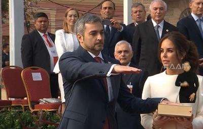 10 duras críticas a la gestión de Mario Abdo Benítez