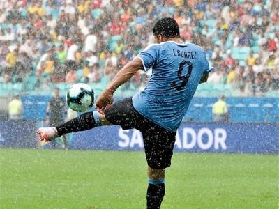 Luis Suárez se descarga tras la eliminación de Uruguay
