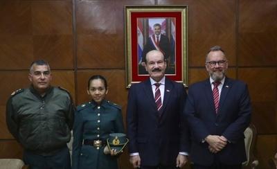 HOY / La primera cadete paraguaya que irá a estudiar a la Real Academia Militar de Gran Bretaña