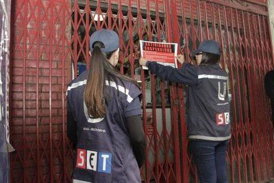 Cierran local en San Lorenzo por no expedir boletas legales