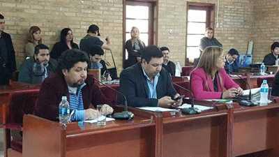 Concejal dice que gobernador Vaesken hace bien su trabajo y por eso no hay oposición